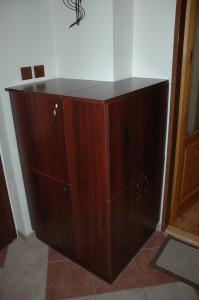 úložná skříňka do chodby